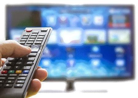 Digitale terrestre, il caos: dovremo cambiare tv e decoder, quanto ci costerà (molto) e quando