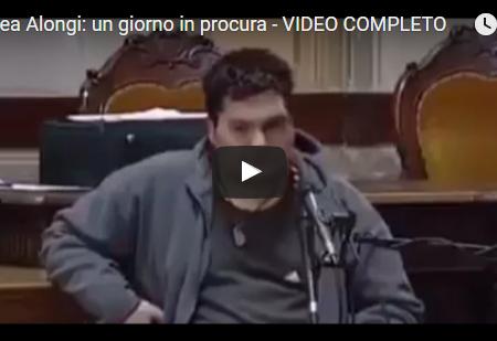 Video, Andrea Alongi, il ragazzo di Parma che ha difeso in tribunale un ragazzo di colore, contro il pestaggio della municipale