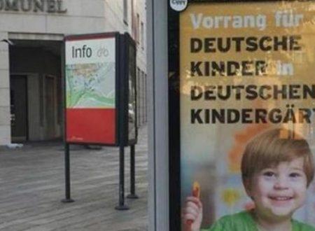 Bolzano, manifesti razzisti contro gli italiani: asili solo per tedeschi