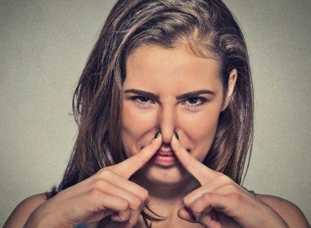Annusare le scorregge del partner fa bene alla salute